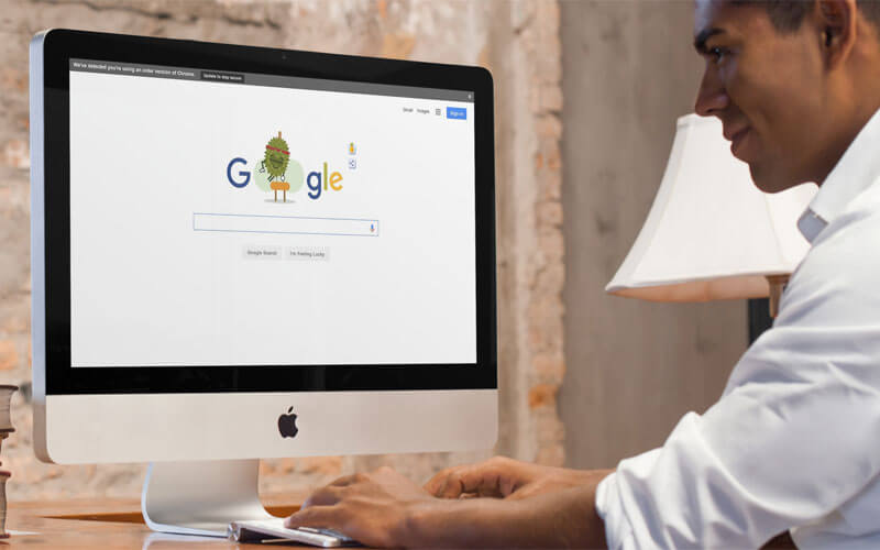 Man-Searching-Internet