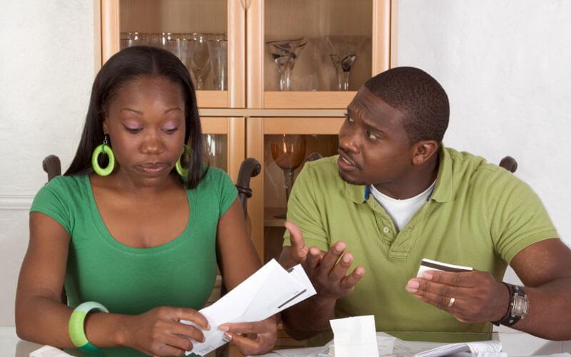 Couple-Arguing-Over-Bills